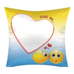 Cuscino San Valentino modello kiss me